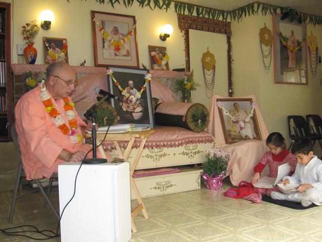 02-bhaktisiddhanta-appearance-2012