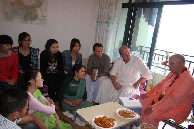 02-Srila Janardan Maharaj in Chongqing, China