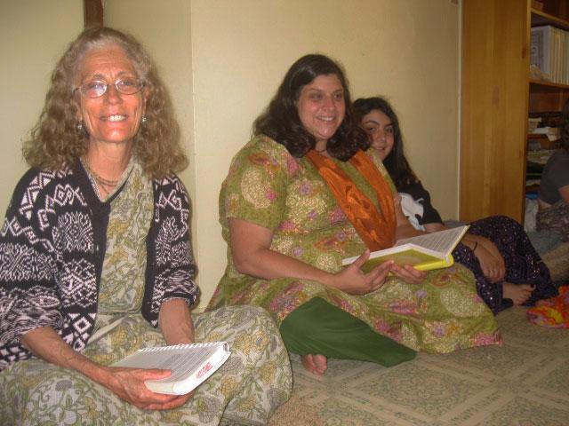 25-Vimala Didi and Paradevi Didi