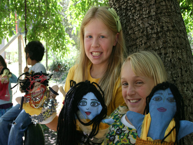 07-Shyama and Anjali show off their puppets