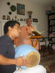 07-Narayana Prabhu from Venezuela impressed Janardan Maharaj with his mridanga playing
