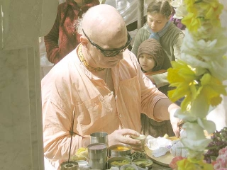 19-Srila Govinda Maharaj Disappearance Program in Soquel April 2012