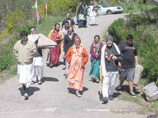 30-Srila Govinda Maharaj Disappearance Program in Soquel April 2012