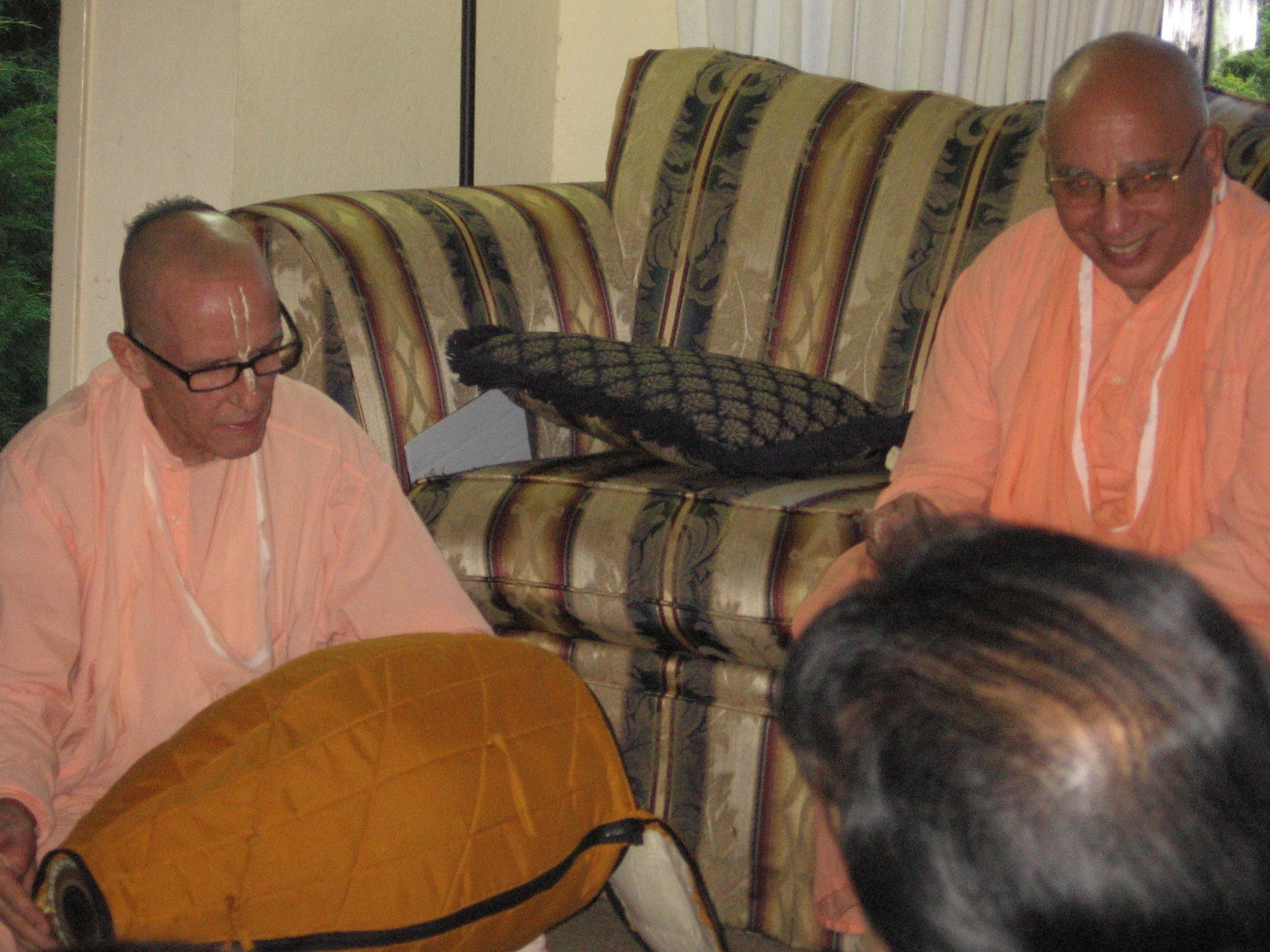 28-Baishnab Maharaj and Janardan Maharaj