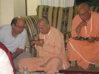 18-Yudhamanyu Prabhu Seva Vikram, Baishnab Maharaj and Janardan Maharaj