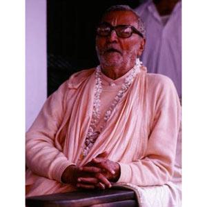 Om Vishnupad Srila Bhakti Rakshak Sridhar Dev-Goswami Maharaj-022