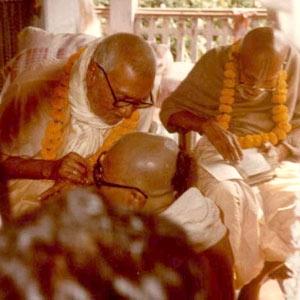 Om Vishnupad Srila Bhakti Rakshak Sridhar Dev-Goswami Maharaj-015