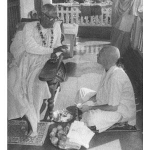 Om Vishnupad Srila Bhakti Rakshak Sridhar Dev-Goswami Maharaj-035