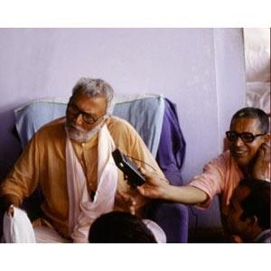 Om Vishnupad Srila Bhakti Rakshak Sridhar Dev-Goswami Maharaj-048