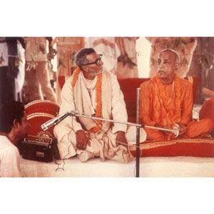Om Vishnupad Srila Bhakti Rakshak Sridhar Dev-Goswami Maharaj-049