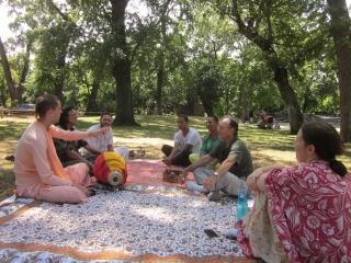 13-travelling-sankirtan-with-tyagi-maharaj.jpg